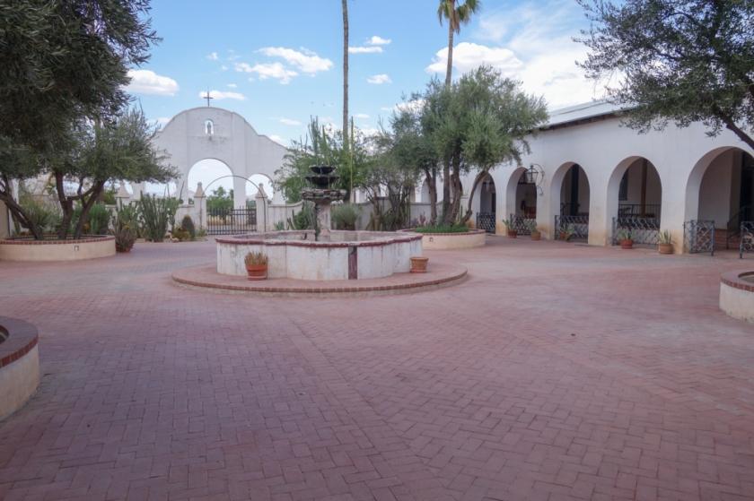 Tucson-48_01